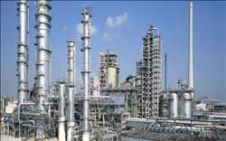 Catalysts-in-Petroleum-Refining-and-Petrochemical-Market.jpg